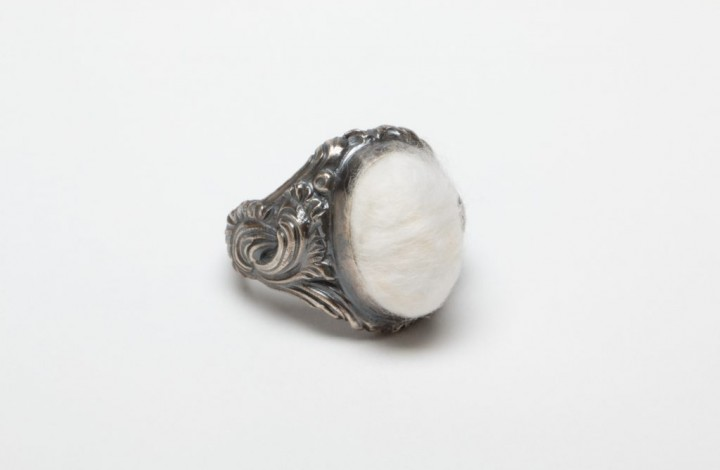 Signet ring, cotton